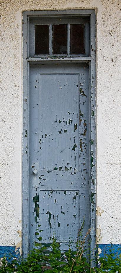 kewaunee skinny door crop