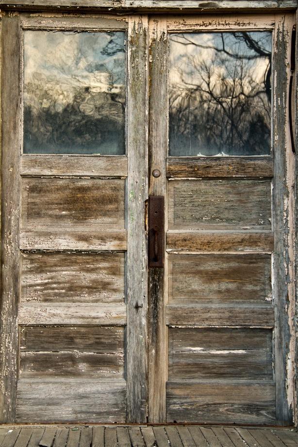 storm door in stang