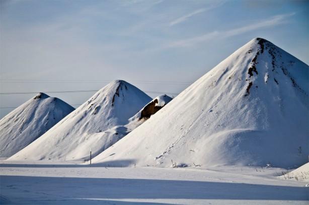 snow piles2